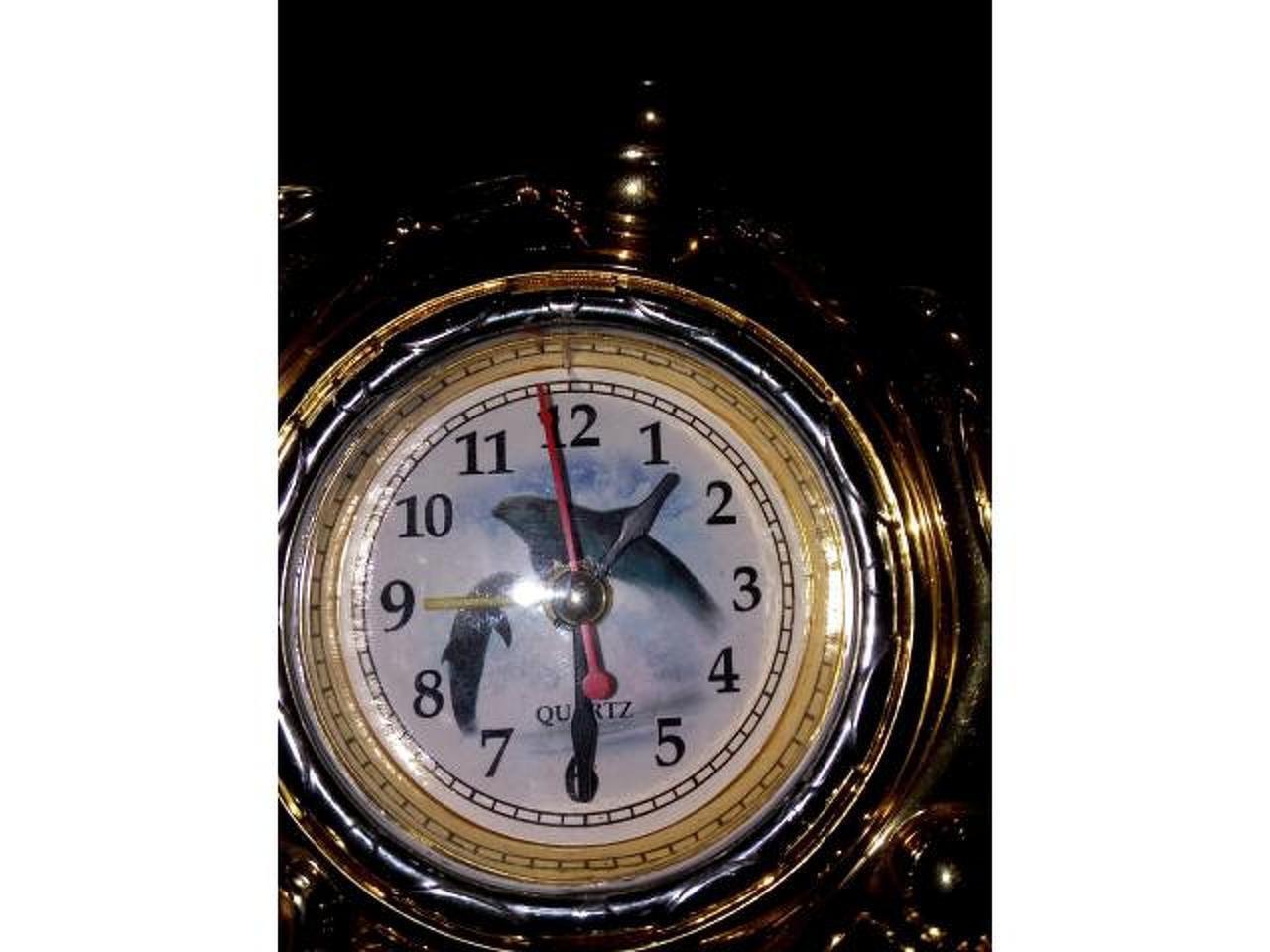 Relógio/despertador com golfinhos. - 2/3