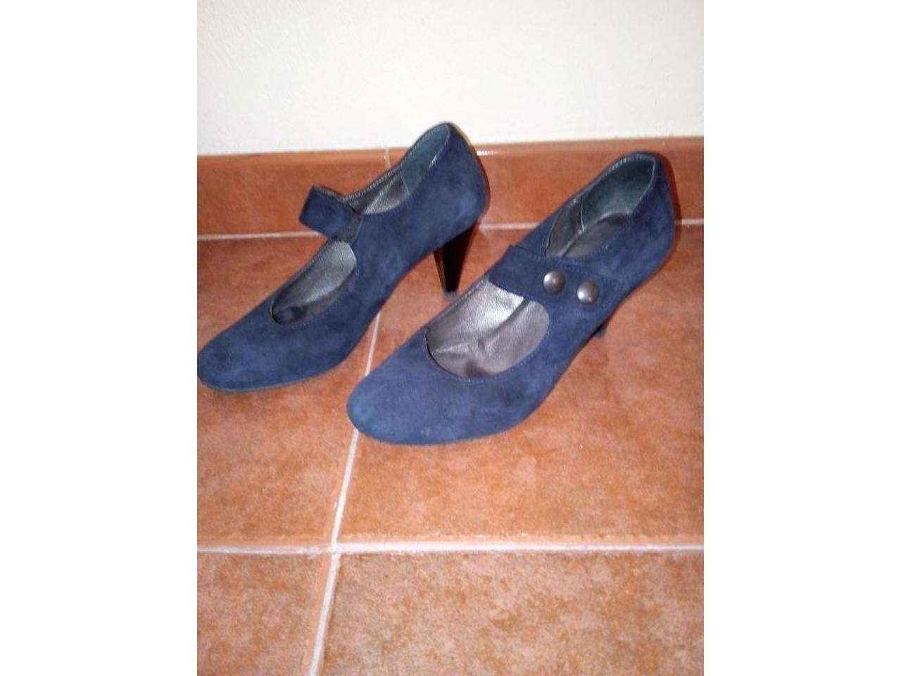 Sapatos de camurça azul escuro, nº39 - 1/5