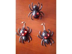 Conjunto de Halloween: Brincos e anel.