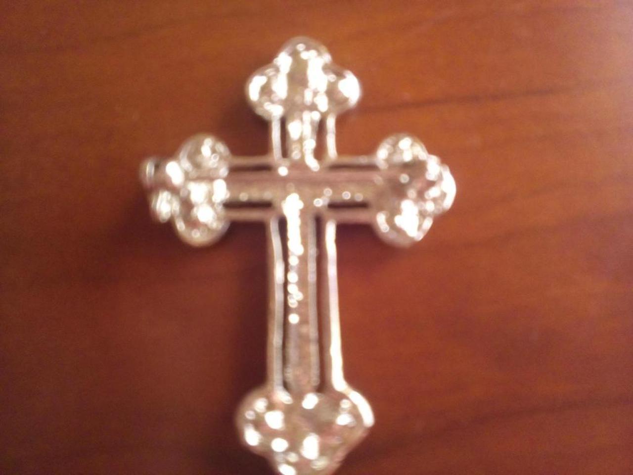 Pregadeira/Broche em forma de cruz. Estilo gótico. - 2/2