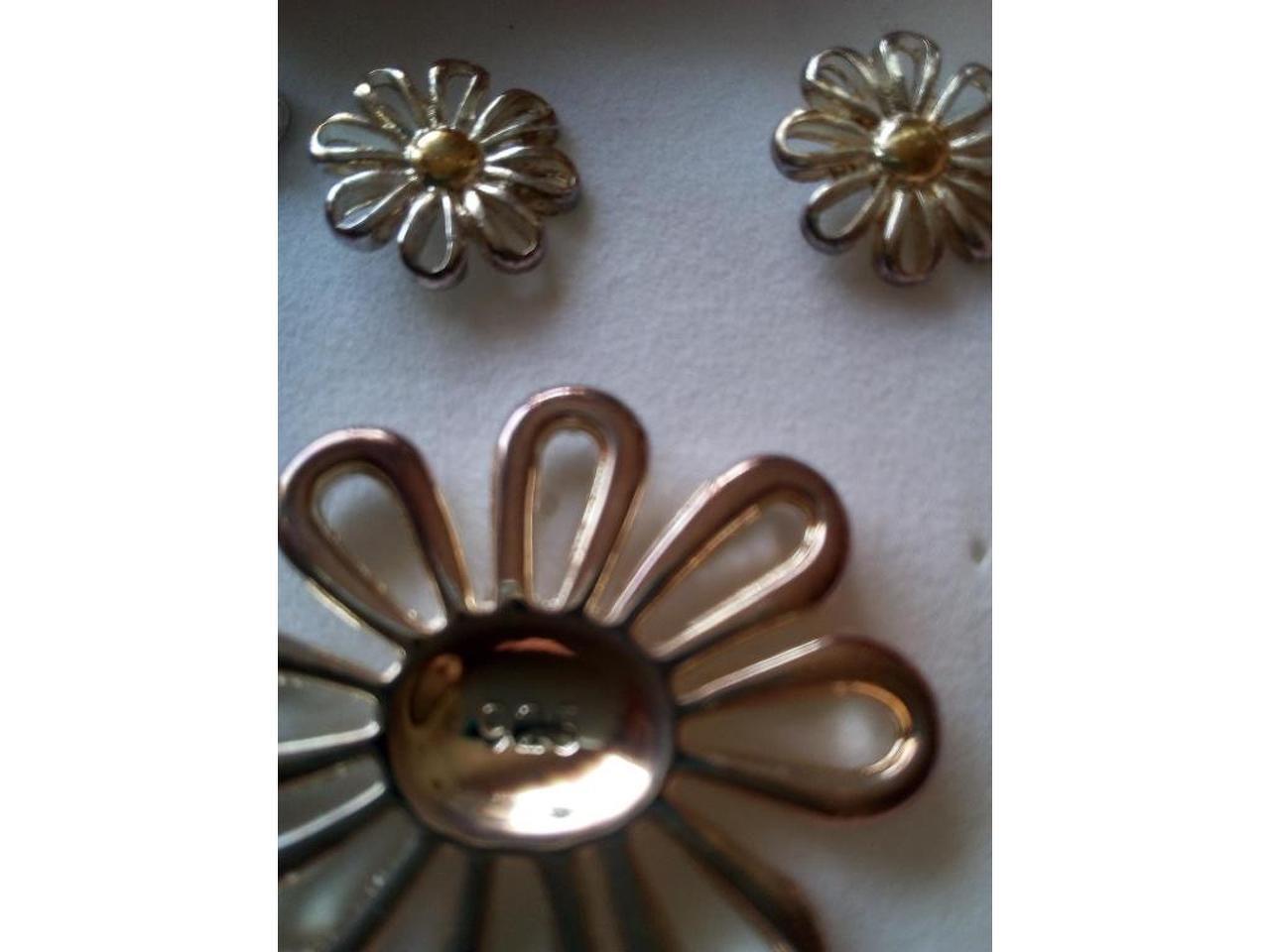 Conjunto: Pulseira, brincos e pendente/berloque  em prata de lei - 3/4