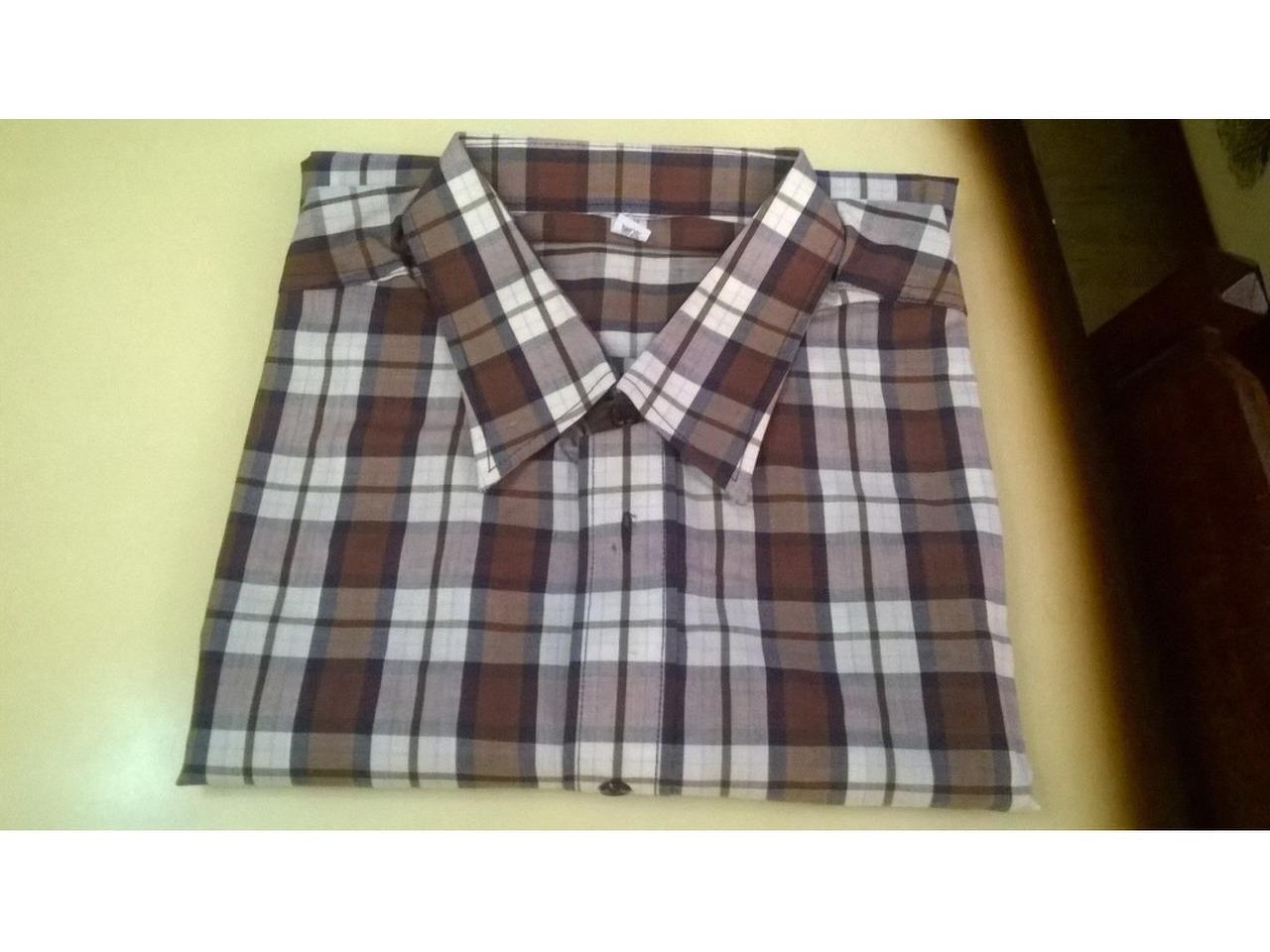 Camisas Dunil (3), sem marca e River Woods - 1/5