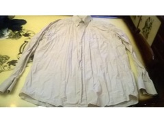 Camisas Dunil (3), sem marca e River Woods